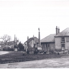 Memorial Green & Pemberton Arms- post 1930s | (Deacon)