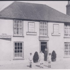 Pemberton Arms. 1934. No 2 High St. | (Deacon)