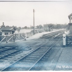 1935. Station platform & signal box. Note, still full gates! | (Deacon)
