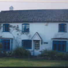 2008 Fountain Cottage before sold to Mr Wedd who renovated it | (Deacon)