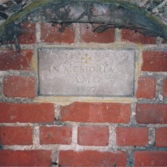 Vicarage wall artesian well, corner Church St & Haslingfield Rd | (Deacon)