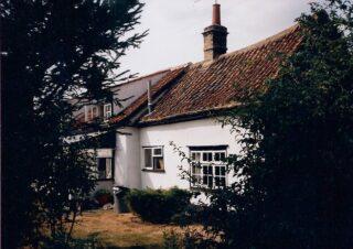 1990s back of Dormer Cottage showing change in width | (M Cash)