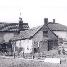 No 20 Church St Hall at rear   (Deacon)