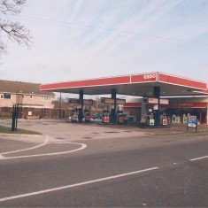 1992.  No 123 Esso Garage | (Deacon)