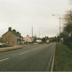 1995. No 140 Volvo and High St | (Deacon)