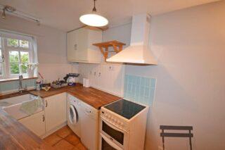 No 5's modern kitchen | on the market.com