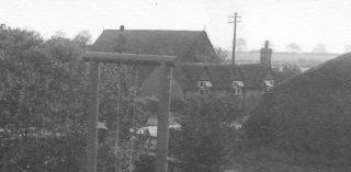 1920s old barn behind windmill cottage | (Utsi)