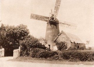 Old Windmill Newton Rd c 1900 disused before 1905 | (Hughes)