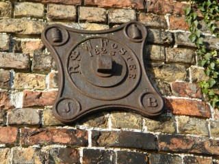 The Old Windmill Newton Rd plate 2014 | (Griffin)