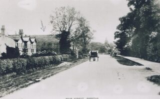 1910-11 Old Manor House to left with old barn behind (Deacon)