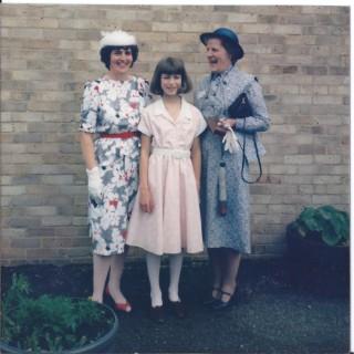 Mrs Pluck & Mrs Askham & Helen presenting Save Children cheque 1985   (Deacon)