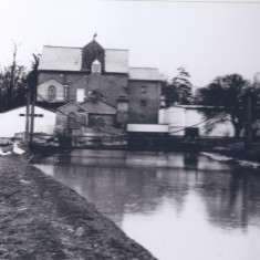 Harston Mill rear, swing bridge | (Deacon)