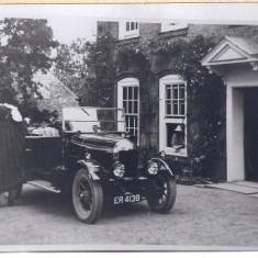 1924-6 early car outside Harston House | (Deacon)