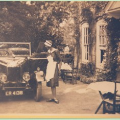 1924-6 bull-nosed Morris car used by Greene family in Harston House prob Miss Helen Greene | (Deacon)
