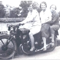 1932 or after V R Poulter, Alison May Poulter & Lol wife of William H Poulter | (J Payne)