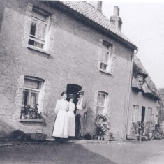 37 Church Street with No 39 (thatched) attached.   (Deacon)