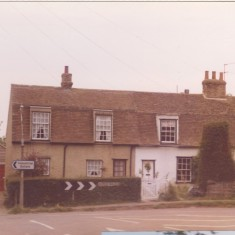 Hill View Cottage,72 Church St (to right) where the Sign of the Gate once traded. 76 to left. | (Deacon)