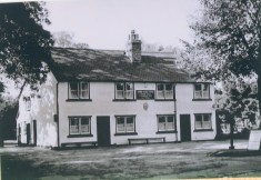Three Horseshoes, No 21 High Street - sold to Greene King 1925