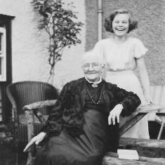 Agnes Ashby widow of Edward A & Audrey daughter of Frank Ashby, poss 1946   (Folbigg)