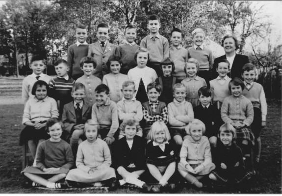 Mrs Barnes Class about 1950s | (Deacon)