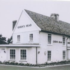 Queen's Head 1970 | (Deacon)