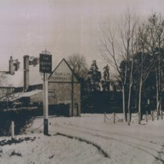 Queens Head 1930s | (Deacon)