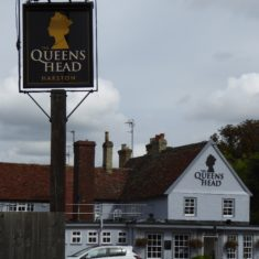 Queen's Head Sep 2016; newly decorated, new sign, taken over by Thai restaurant previously in 3 Horseshoes | (Roadley)