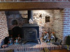 Original inglenook fireplace discovered in 1970s No 25 High St