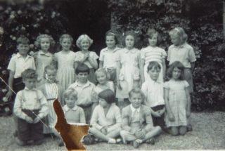 School photo at Beechcroft c 1948-9   (Will Garfit)