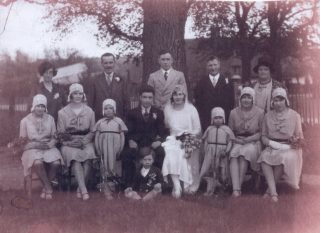 1930s wedding of Ernie Pettit & Eliza Flack | (C Pettit)