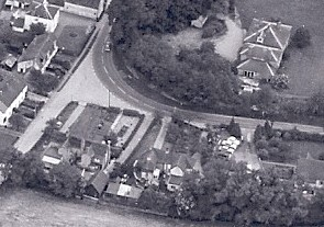 1960s Aerial photo showing barn behind No 4 Haslingfield Rd | (Leonard Beard - Barrington History Soc)