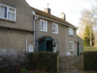 Rose Cottage Button End 2015    (Griffin)