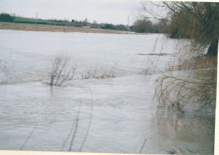 Rhee floods around Harston Bridge 5-6 Feb 2001  | (Deacon)