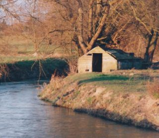 Willers punt house close to bridge on Haslingfield Road  | (Deacon)